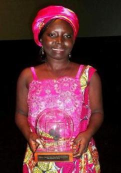 Dorothee Danedjo with the Best ICT Blog 2013 Award